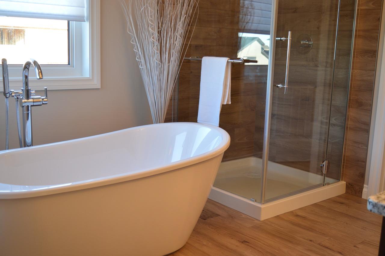 Une salle de bain dans 2m², comment faire ?