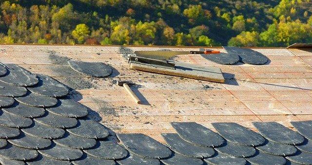 Rénovation de toiture : les points à vérifier avant de choisir votre professionnel